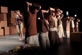 "Szenenfoto ""99 Prozent"" spinaTheater Regie: Christoph Stec u. Jan-M. Schmitz"